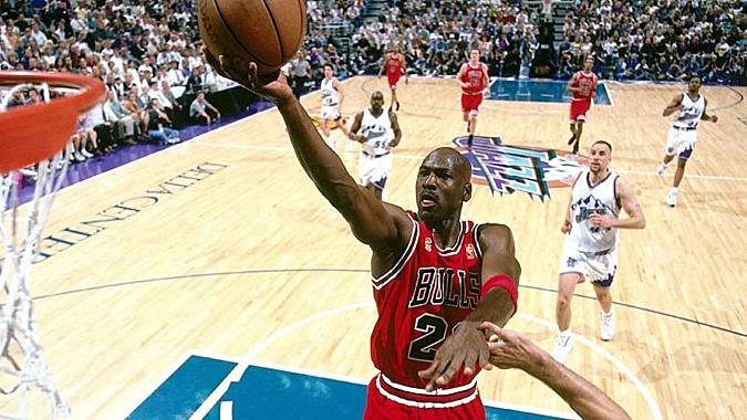 Jordan là biểu tượng thành công lớn nhất của làng bóng rổ. Ảnh: ESPN.