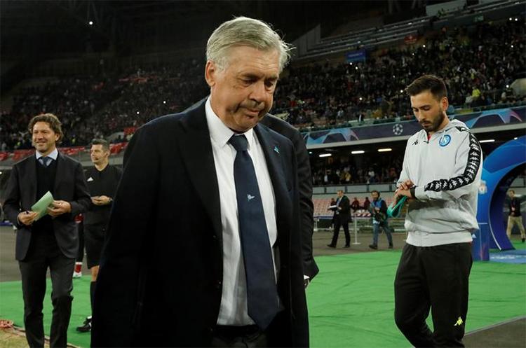 Ancelotti sau một trận đấu của Napoli trên sân nhà San Paolo. Ảnh: Reuters.