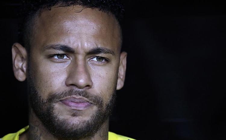 Neymar đối mặt với sức ép lớn về tinh thần nếu vào sân trong trận gặp Strasbourg. Ảnh: AP.