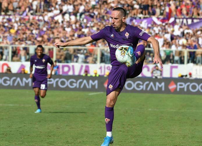 Ribery chơi thăng hoa trong trận đầu đá chính cho Fiorentina. Ảnh: EPA.
