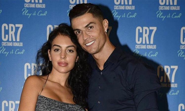 Ronaldo và Georgina trong lễ ra mắt nước hoa hôm 13/9. Ảnh: Twitter / Ronaldo.