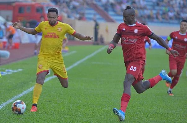 Nam Định và TP HCM bất phân thắng bại ở vòng 23 V-League 2019.