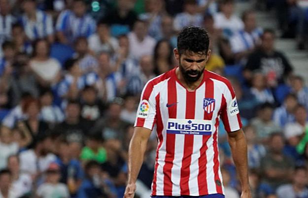 Costa cùng các đồng đội có trận đấu thất vọng tại San Sebastian. Ảnh: Reuters.