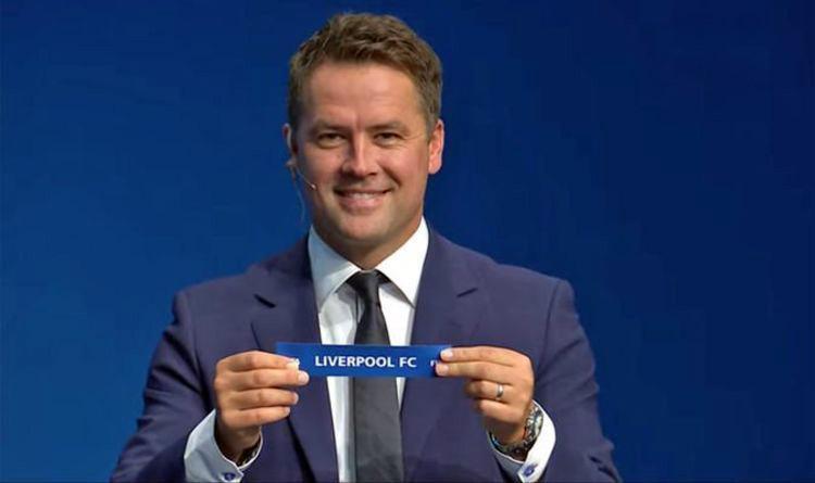 Cựu tiền đạo Liverpool, Owen là người hỗ trợ bốc thăm FIFA Club World Cup. Ảnh: FIFA TV.