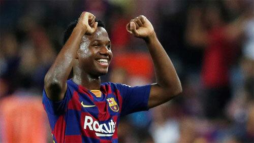 Sự hồn nhiên và tươi mới cùa Fati đang truyền cảm hứng cho Barca. Ảnh: Reuters