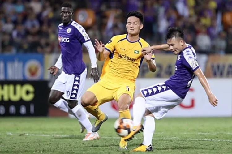 SLNA - Hà Nội là màn đối đầu giữa đội bóng có hàng thủ tốt nhất và đối thủ có hàng công khủng nhất V-League.
