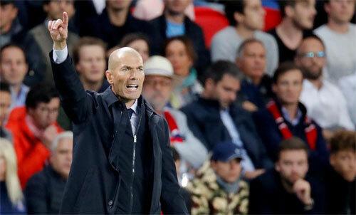 Zidane nếm mùi thất bại trong trận đầu trở lại đấu trường châu Âu. Ảnh: Reuters