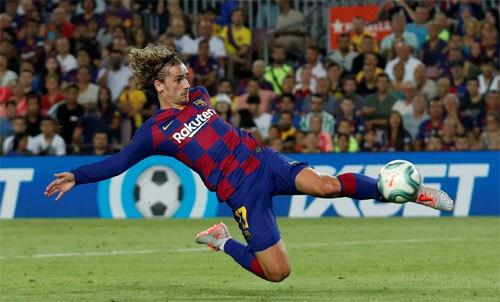 Tình hình tài chính Barca vẫn ổn dù mua những cầu thủ như Griezmann. Ảnh: Reuters