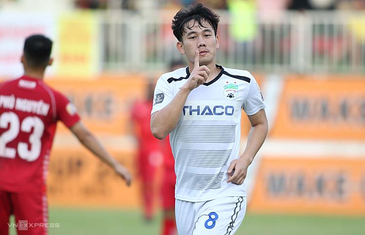 Minh Vương có phong độ cao, dẫn dầu danh sách cầu thủ nội ghi nhiều bàn ở V-League nhưng vẫn không được HLV Park Hang-seo gọi trở lại đội tuyển. Ảnh: Hùng Linh.