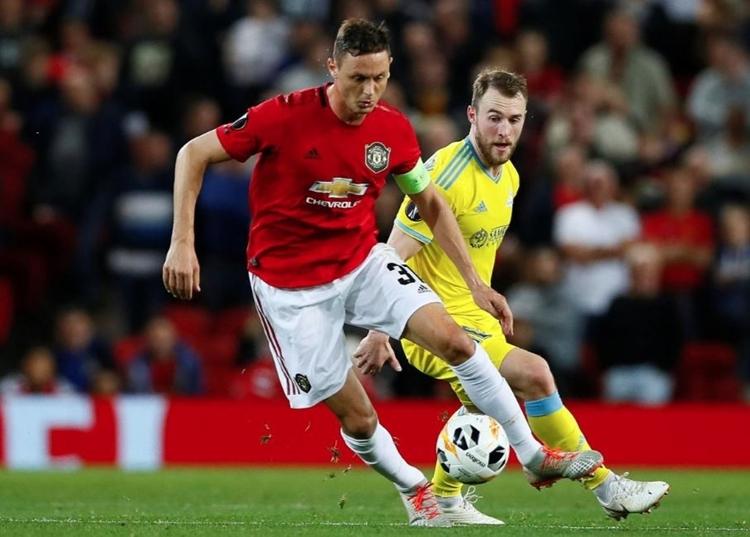 Matic đeo băng đội trưởng của Man Utd tối 19/9. Ảnh: Reuters.