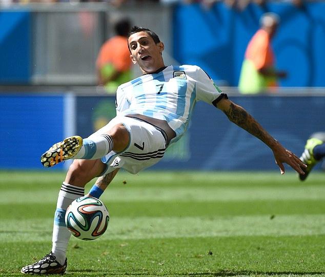 Di Maria đã có một kỳ World Cup 2014 như mơ, cho đến khi dính chấn thương ở tứ kết và phải nhìn Argentina thua Đức 0-1 trong trận chung kết. Ảnh: Xinhua.