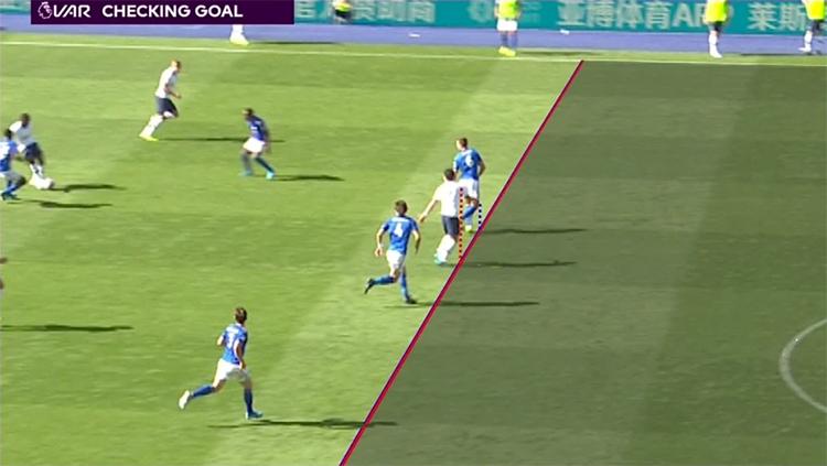 VAR hai lần từ chối bàn thắng, chia đều cho mỗi đội một lần. Trong ảnh là tình huống Son bị VAR xác định việt vị trong tình huống Aurier làm tung lưới Leicester ở hiệp hai.