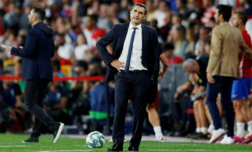 HLV Valverde đang đối mặt nguy cơ bị sa thải. Ảnh: Reuters