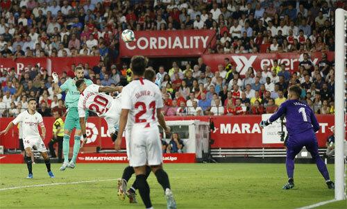 Benzema có năm bàn trong năm trận đầu của La Liga.