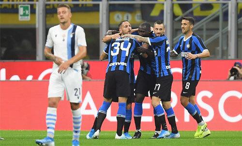 Inter đang khởi sắc dưới sự dẫn dắt của Conte. Ảnh: Reuters