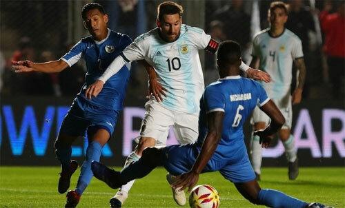Thủ quân Nicaragua khẳng định không bỏ phiếu, nhưng Messi, Mane và Ronaldo vẫn có điểm từ anh. Ảnh: Reuters