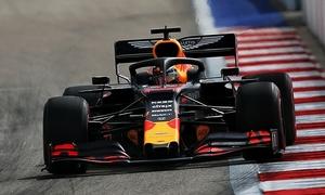 Verstappen nhanh nh?t ngày ??u Grand Prix Nga