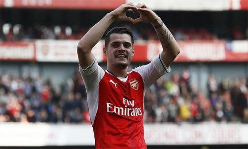 Xhaka không được lòng mọi CĐV Arsenal. Ảnh: Reuters