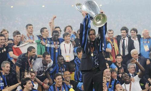 Mourinho đưa Inter lên đỉnh năm 2010. Ảnh: Reuters