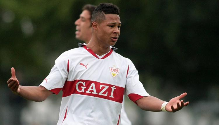 Gnabry thời chơi cho đội trẻ Stuttgart.