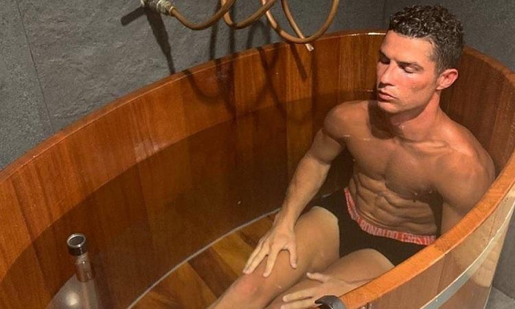 Ronaldo được đánh giá cao nhờ tinh thần tập luyện và sinh hoạt điều độ. Ảnh: AS.