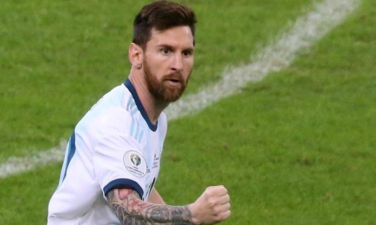 Messi thường bị chỉ trích là thiếu tư chất thủ lĩnh trong phòng thay đồ. Ảnh: Reuters.