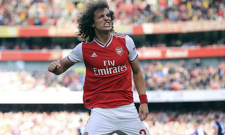 David Luiz mừng bàn đầu tiên cho Arsenal. Ảnh: AP.