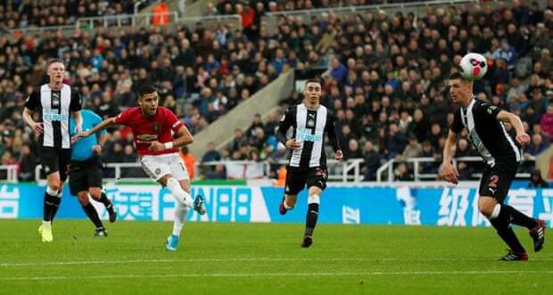 Hàng công Man Utd hiện tại vừa thiếu về số lượng, vừa yếu về chất lượng, khi không còn những Lukaku, Fellaini, Sanchez. Ảnh: Reuters.