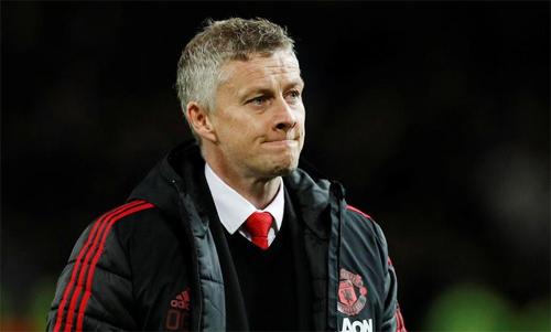 Solskjaer đang cô đơn ở Man Utd, giống như nhiều vị tiền nhiệm. Ảnh: Reuters