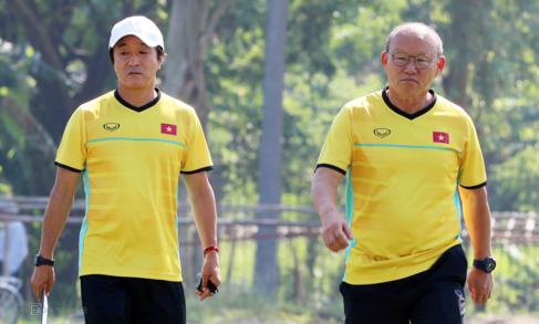 Tiến cử trợ lý dẫn dắt U22 nhưng HLV Park Hang-seo vẫn sát cánh với vai trò cố vấn. Ảnh: Đức Đồng.