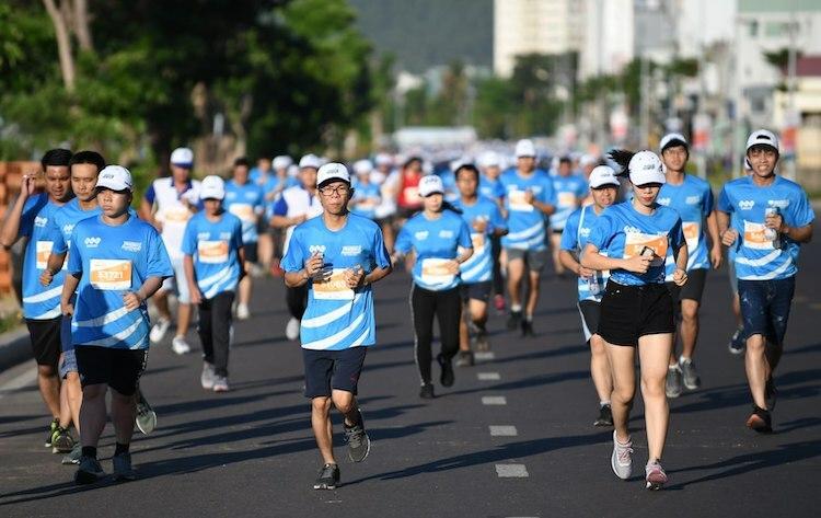 Các vận động viên tham gia VnExpress Marathon 2019.