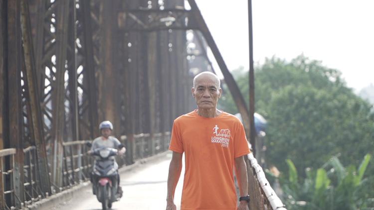 Runner 66 tuổi chạy trong chương trình Revive Marathon Xuyên Việt - 1