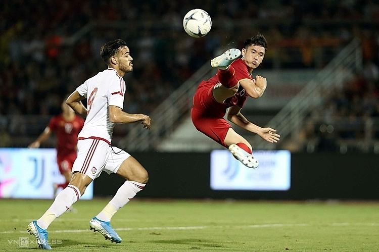 Dù vắng nhiều trụ cột nhưng cả U22 Việt Nam và U22 UAE đả thể hiện một trận đấu sôi động. Ảnh: Đức Đồng.
