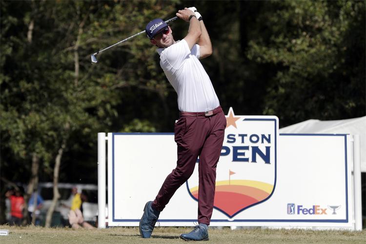 Griffin phát bóng ở hố thứ hai vòng bốn Houston Open hôm 13/11. Ảnh: AP.