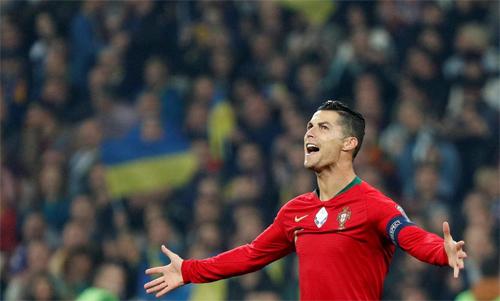 Ronaldo vẫn đều đặn chinh phục kỷ lục cá nhân. Ảnh: Reuters
