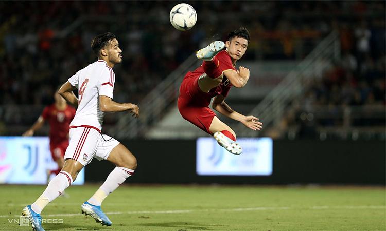 U22 Việt Nam vừa hòa U22 UAE 1-1 trong trận giao hữu trên sân Thống Nhất hôm 13/11. Ảnh: Đức Đồng.