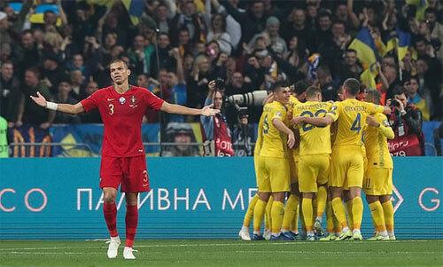 Ukraine chơi phản công rất hiệu quả trước Bồ Đào Nha. Ảnh: EPA