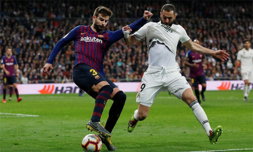 El Clasico lượt đikhông thể diễn ra như lịch ban đầu. Ảnh: Reuters