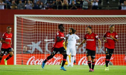 Mallorca sớm vượt lên trong trận đấu với gã khổng lồ. Ảnh: Reuters