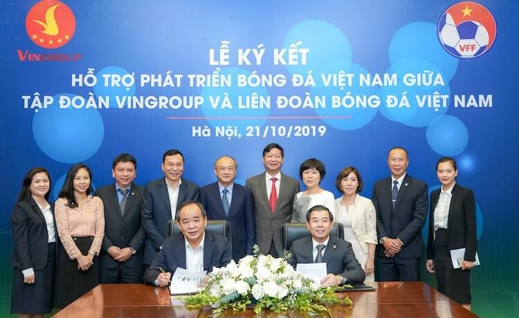 Đại diện Vingroup ký kết hợp tác cùng VFF.