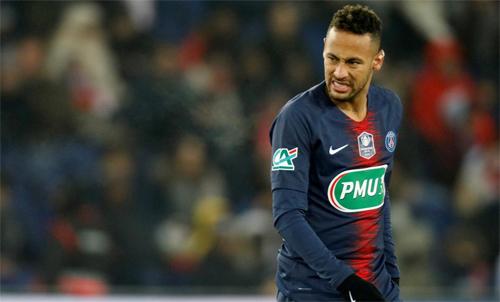 Neymar vừa bỏ lỡ hai năm quý giá trong đời cầu thủ. Ảnh: Reuters