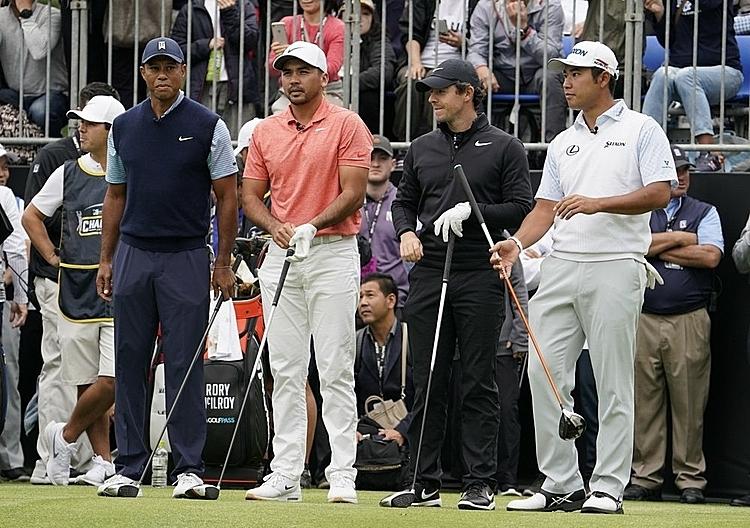 Tiger Woods (trái) cùng Jason Day, Rory McIlroy và Hideki Matsuyama tại sự kiện Japan Skins. Ảnh: AP.