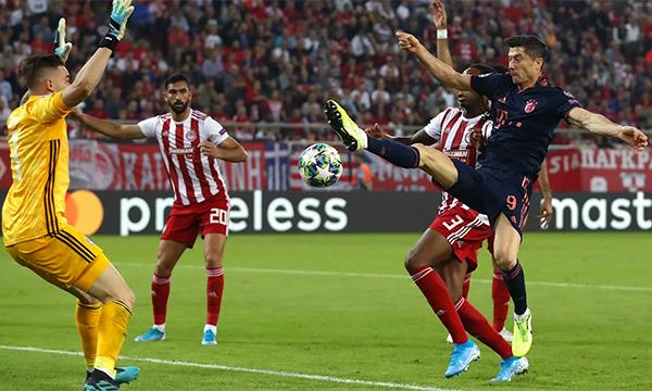 Pha đá nối hạ thủ môn Jose Sa của Lewandowski trong tình huống Bayern nâng tỷ số lên 2-1 đầu hiệp hai. Ảnh: FCB.de.