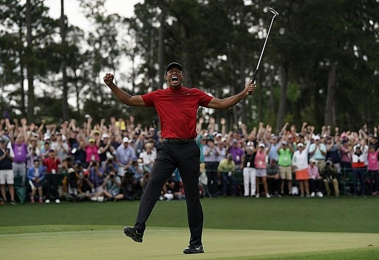 Woods giành major thứ 15 và giành danh hiệu PGA Tour thứ 81 tại Masters 2019. Ảnh: AP.