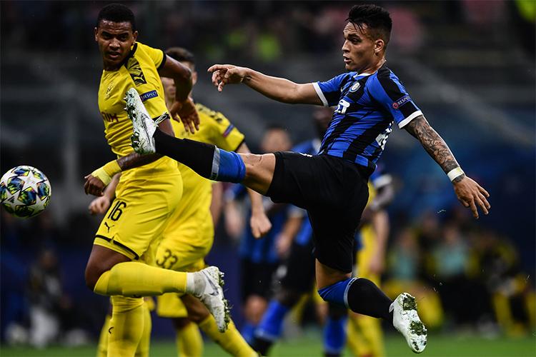 Bàn mở tỷ số của Martinez là lần thứ sáu tiền đạo người Argentina lập công cho Inter trên mọi mặt trận mùa này. Anh hiện là chân sút tốt nhất của đội. Ảnh: Mediaset.