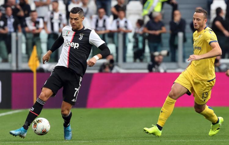 Ronaldo chưa sút phạt thành bàn lần nào cho Juventus