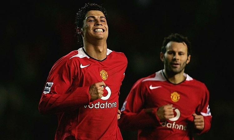 Giggs (phải) và Ronaldo trong màu áo Man Utd. Ảnh: ME.