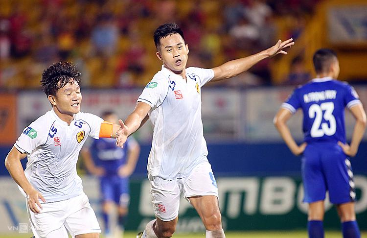 Đánh bại Bình Dương, Quảng Nam có nhiều lợi thế khi được chơi trên sân nhà của trận chung kết. Ảnh: Đông Huyền.