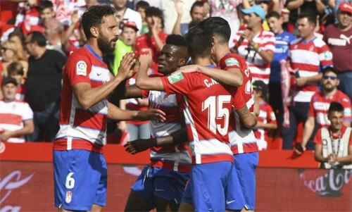 Đội mới lên hạng dẫn đầu La Liga