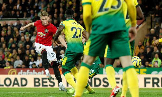 Bàn thắng thứ 2000 của Man Utd ở Ngoại hạng Anh được ghi do công của McTominay. Ảnh: Reuters.